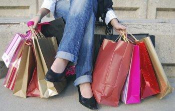 Кога е най-изгодно да започнем коледното пазаруване?