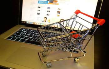 Пестим или харчим повече, като пазаруваме онлайн?