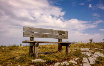 10 места, които трябва да посетиш в България преди есента